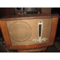 Радиоприёмник сетевой ламповый Рига-10 1952 год.