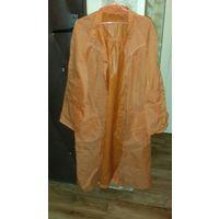 Дождевик оранжевого цвета без капюшона. 46-48 размер.