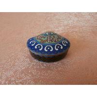 Шкатулка маленькая бронза ручная роспись Германия середина ХХ века, макс. диаметр 5.5 см, высота 2.5 см.