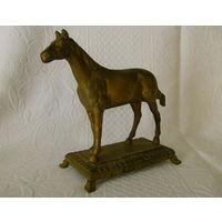 Старенькая , красивейшая  статуэтка - Лошадь.  Бронза