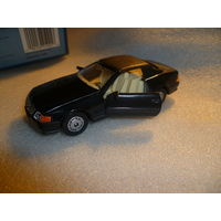 """Модель авто """"Mercedes Benz 500 SL"""". 1:40."""