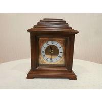 Часы настольные деревянные кварцевые Handel smarken GmbH Германия.