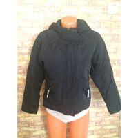 Куртка черная на девочку 15-16 лет фирмы Demo весна-осень, длина 55 см, ПОгруди 51 см, рукав померять нельзя, нет плечевого шва