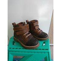Ботинки осенние Зебра 26 размер