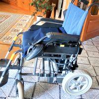 Коляска инвалидная электрическая, б\у меньше года, исправная, колеса полиуретановые разборные, в ухоженном состоянии, пробег дом-гараж под домом. Тихая, резвая (5 режимов скорости), электромагнитные т
