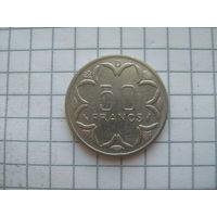 Центральная Африка 50 франков 1977г. (D) Габон