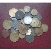Лот монет ранних Советов(41 шт.). Сохран неважный.