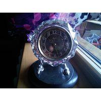 Продам настольные часы Маяк 11 камней Made in USSR