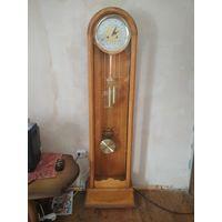 Современные напольные часы с боем