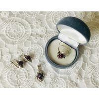 Гарнитур серебряный с фиолетовым камнем. Серебро 925