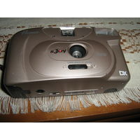 Коллекционерам фотоаппаратов:Пленочный фотоаппарат PREMIER RС-663 со своимфутляром.япония
