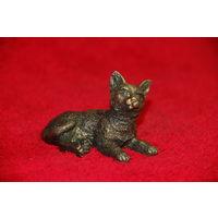 Миниатюра кот , котик лежит , бронза