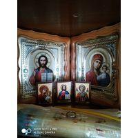 Иконы из Киева вместе со свечами
