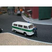 Модель микроавтобуса Volkswagen T-2 POLIZEI (brekina). Масштаб НО-1:87.