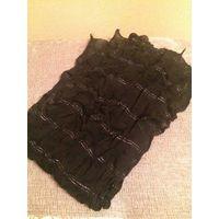 Черный шафр с люрексной нитью. Длина 170 см, ширина 27 см. Носила, хорошего качества, тонкий и нарядный.