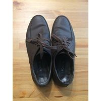 Мокасины -туфли на 39-40 размер, натуральная кожа, коричневый цвет, очень удобные и легкие. Поставила новые набойки. Длина по стельке около 27,5 см, длина всей подошвы 29 см. Состояние хорошее