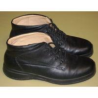 Ботинки ECCO, кожаные на кожаной подкладке. Размер 41