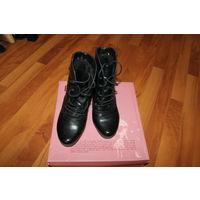 Ботинки на каблуке зимние