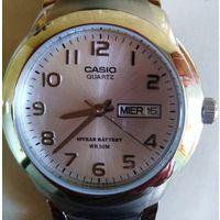 Часы ручные Casio MTP-1229Д-7АVEF. Не были в носке.  Электронно-механические. Корпус из стали. Водонепроницаемость: WR50 (душ, плавание без ныряния). Минеральное стекло.