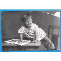 Фото девочки. 1920-30-е. 9х14 см