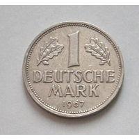 1 марка 1967 года. J.
