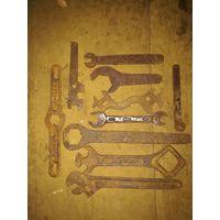 Большой лот ключей в музей
