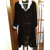 Старинное женское платье из чёрного бархата отделка кружевами СССР.