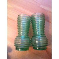 Две интерьерные вазочки, Германия. Продаю парой, зеленый бутылочный цвет. Высота примерно 13 см. Отличное состояние.