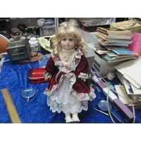 Кукла фарфоровая из Европы, 37 см.