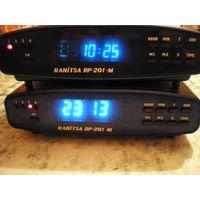 """Радиоприемник(4 зпч)-часы-будильник """"RANITSA RP-201-M"""", б/у, рабочий."""