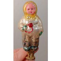 Малыш с погремушкой елочная игрушка СССР