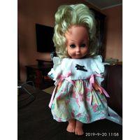 Старая детская игрушка Кукла в платье ГДР.