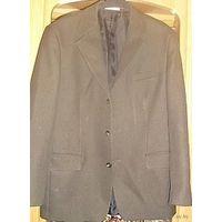 Добротный фирменный мужской костюм, р-р 50-52, рост 176-182