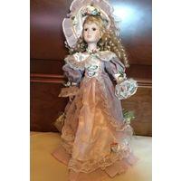 Кукла Фарфорово-набивная в красивом платье Германия 50 см