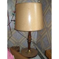 Настольная лампа ГДР  в рабочем состоянии