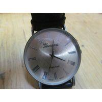 Часы Geneva Platinum кварцевые, кожаный ремешок.