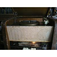 """Радиоприемник """"Рекорд 59"""" в реставрацию."""