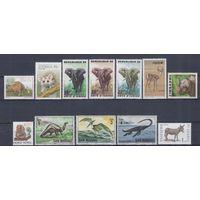 [1755] Фауна.Дикие животные. 12 чистых марок без клея.