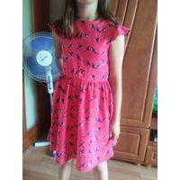 Платье из Европы в попугайчики на 8-9лет